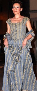 vestito damascato settecento azzurro carta zucchero