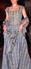 vestito damascato stile settecento carta zucchero e oro
