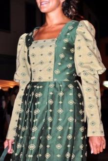 vestito damascato stile settecento manica lunga verde scuro e chiaro