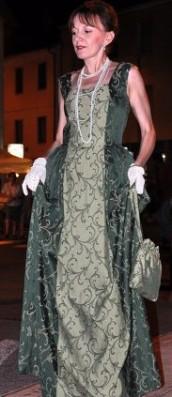vestito damascato settecento colore verde scuro e chiaro smanicato