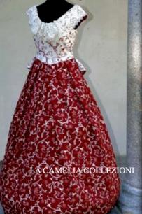 vestiti rinascimentali - vestiti stile 700 - vestiti in tessuto broccato - bicolore bianco e bordeaux smanicato - la camelia collezioni