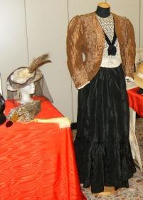 vestito domenicale fine 1800