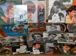 dischi in vinile 45 giri e autografi