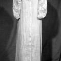 intimo d'epoca - camicia da notte con ricamo e bottoncini