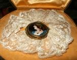 Medaglione miniatura smaltata