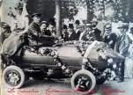 """1° maggio 1899, vettura battezzata """"Jamais Contente"""" (mai contenta) che trionfò con il motore elettrico e mostra per la prima volta la ricerca di un profilo aerodinamico adatto alla velocità"""