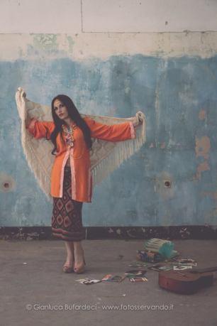 completo anni 70 gonna in lana e ampia camicia arancio con scialle