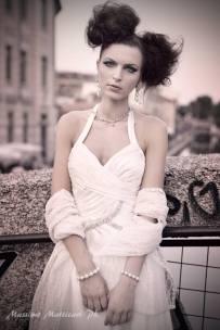 vestito da sera bianco ottico con stola in pizzo la camelia collezioni