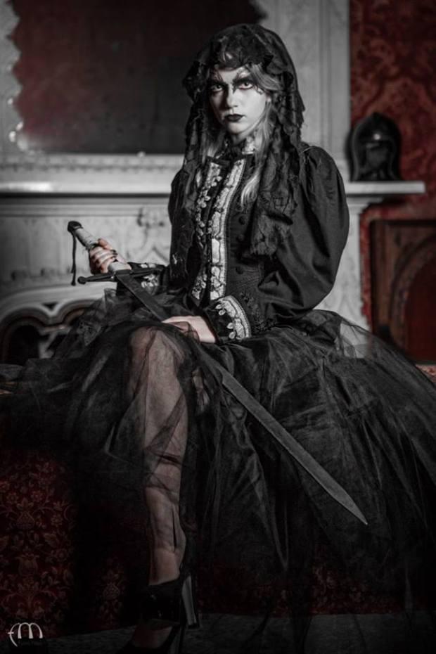 vestito-gotico-dark-la-camelia-collezioni