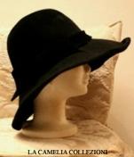cappello in velluto nero -collezione-la camelia collezioni