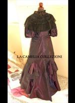 vestito da gran gala in taffetas cangiante vinaccia e mantellina fine 1800 - moda femminile 1800 - la camelia collezioni