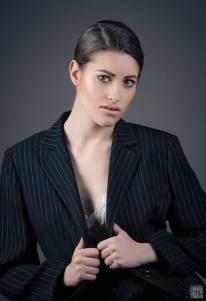 gessato femminile sottoveste bianca -moda mascolina stile mascolino- androgina- la camelia collezioni