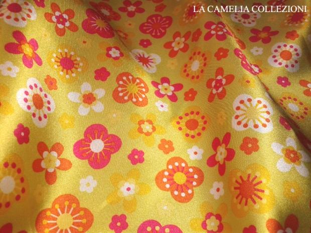 tessuto vintage fantasia fiorellini (ampia metratura)- la camelia collezioni
