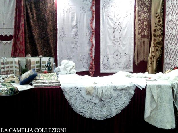 pizzi trine merletti tende antiche - brocantage - parco esposizioni novegro - ottobre 2014 - la camelia collezioni