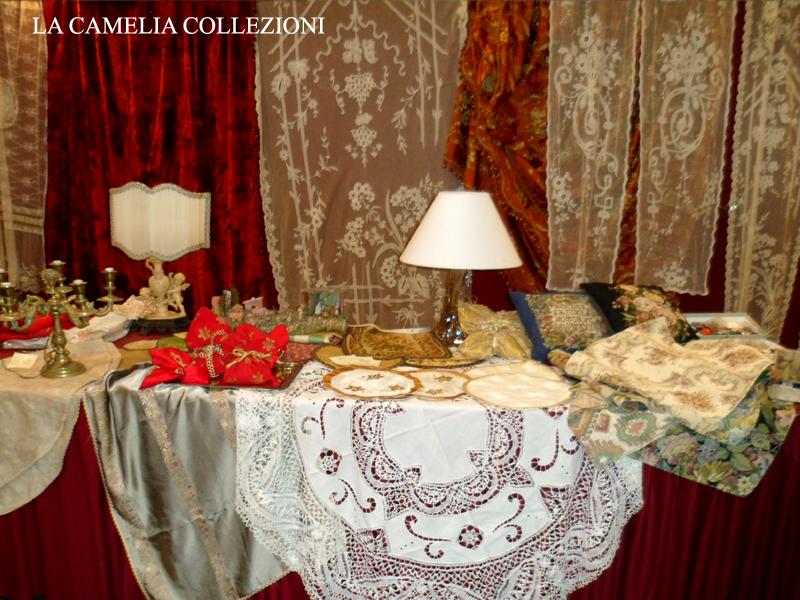 pizzi trine merletti tende antiche tessuti antichi - brocantage - parco esposizioni novegro - dicembre 2013 - la camelia collezioni