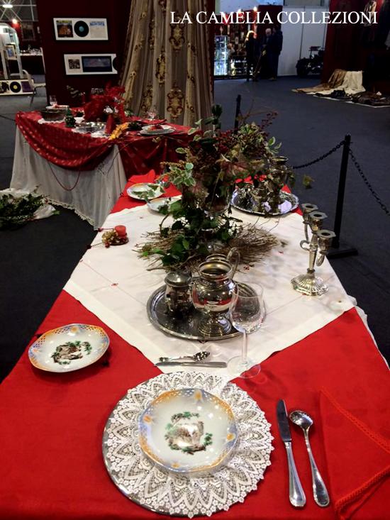 tavole natalizie - tavole imbandite - tovaglia rossa - la camelia collezioni