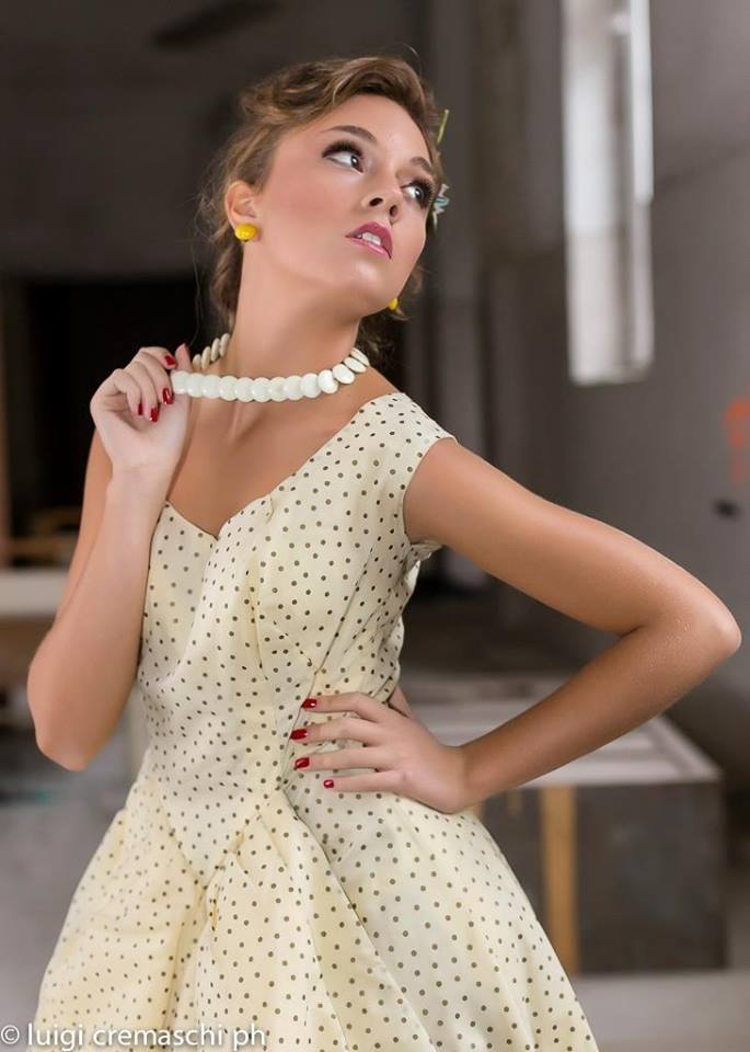 vestiti- moda- anni 50 con sottogonna - la camelia collezioni 72c85214786