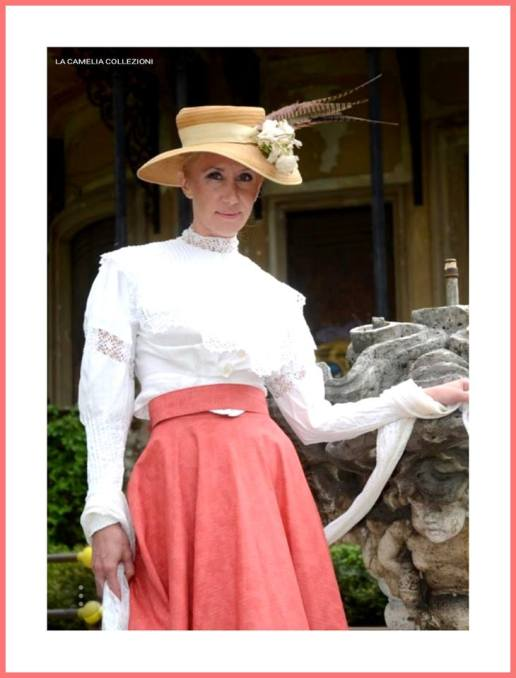 belle epoque - Gonna lunga color corallo, camicia con bordi e inserti in pizzo macramè, cappello - la camelia collezioni