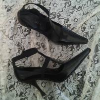scarpa con tacco colore nero 1