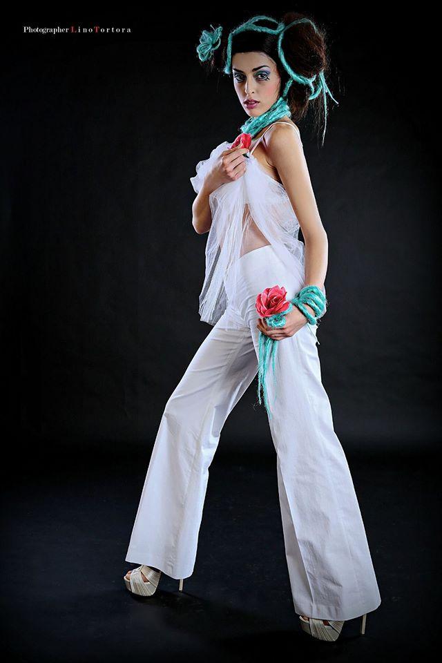 panta a zampa bianco & top applicato tulle - la camelia collezioni