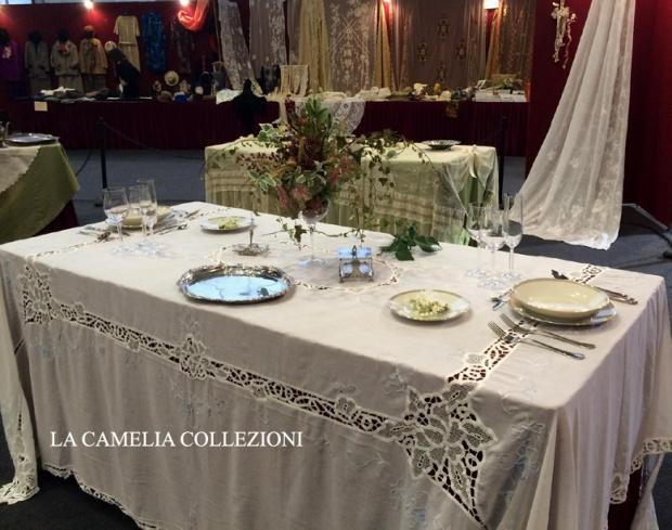 tavole allestite -parco esposizioni novegro - fiera brocantage - allestimento area tematica tavole 2015 - la camelia collezioni