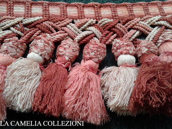 Passamaneria bicolore con bordo macrame - la camelia collezioni