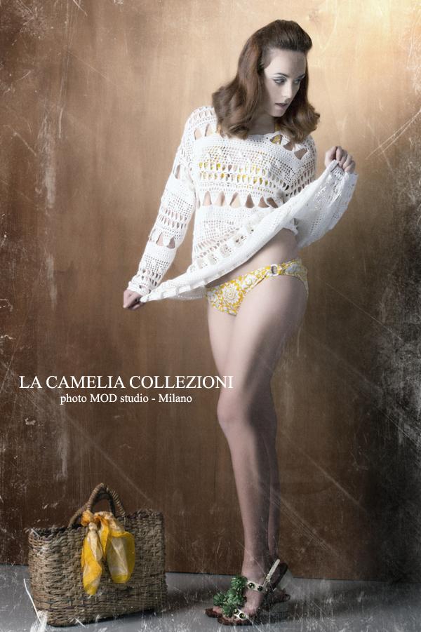 prendisole in cotone traforato autentico anni 70 colore bianco - la camelia collezioni
