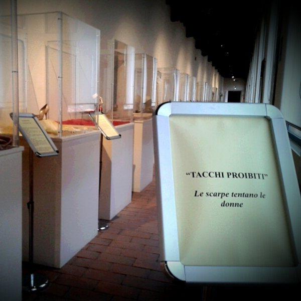 tacchi proibiti - mostra museo calzatura di vigevano - la camelia collezioni