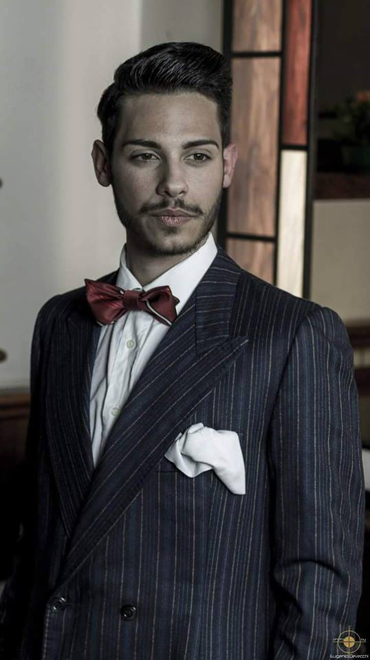 vestito- gangster -rigato uomo blu scuro e accessori - la camelia collezioni
