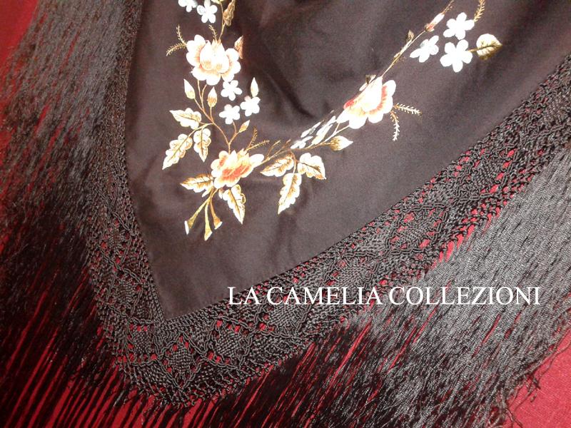 scialle in seta nero con ricami floreali - la camelia collezioni