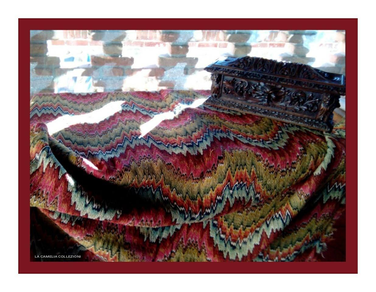 tessuto antico a metro punto fiamma secolo 700 - la camelia collezioni