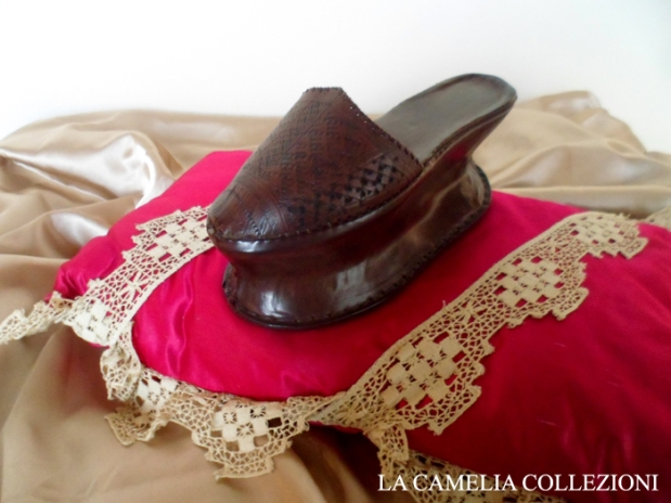 calzature e scarpe d'epoca - tacchi proibiti - la camelia collezioni