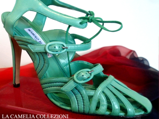 calzature e scarpe d'epoca - tacchi proibiti - manolo - la camelia collezioni