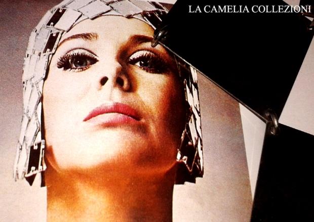 moda futuristica - paco rabanne - piastrine in metallo per abiti futuristici 2 - la camelia collezioni