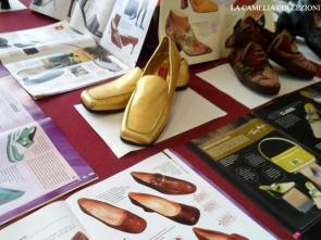 allestimento mostra a tema calzature - 02 -la camelia collezioni