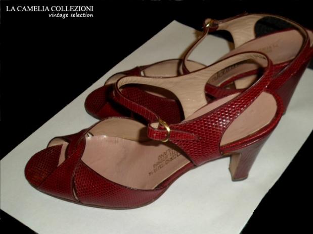 sandalo anni 60 aperto colore bordeaux - la camelia collezioni - vintage selection