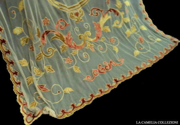 tende in tulle con dettagli in velluto - particolare in oro e arancio - 06 - la camelia collezioni