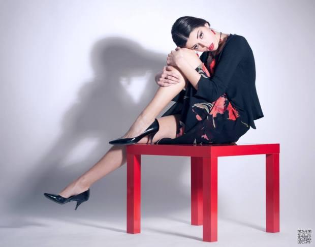 vestiti fiorati - vestiti lunghi fantasia - nero a fiori rossi - la camelia collezioni