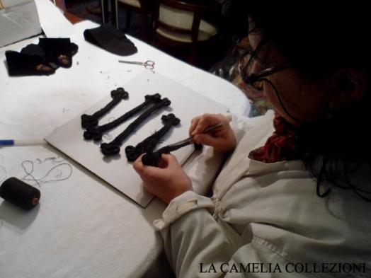 restauro tessile - restauro alamari dell'800 - la camelia collezioni