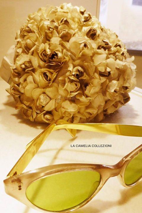 acconciature anni 50 60 con occhiale da sole - la camelia collezioni