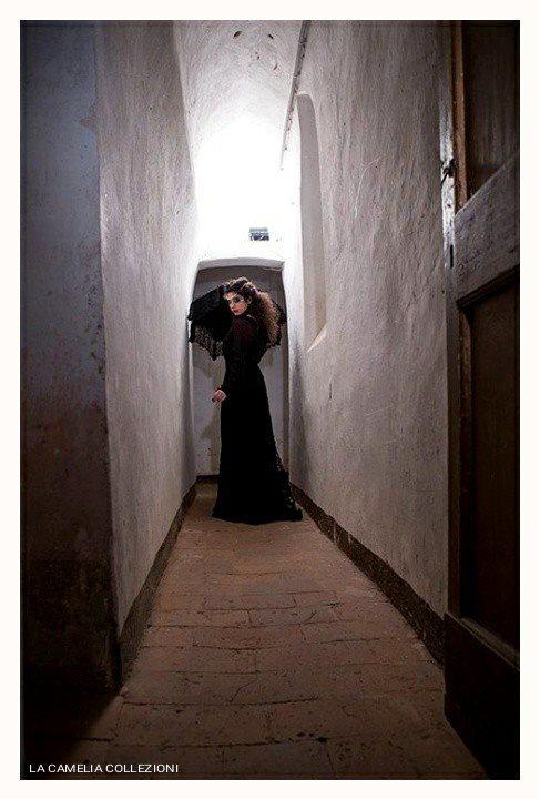 gotico dark - outfit - abito in pizzo macramè e accessori - la camelia collezioni