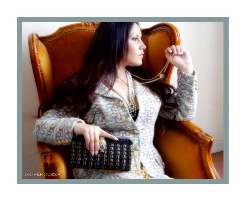 Chanel tailleur- la camelia collezioni