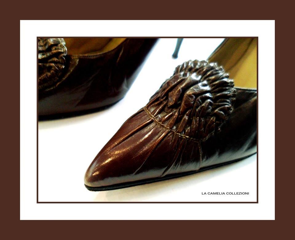 calzature anni 60 - brown con arricciatura- archivio privato - la camelia collezioni