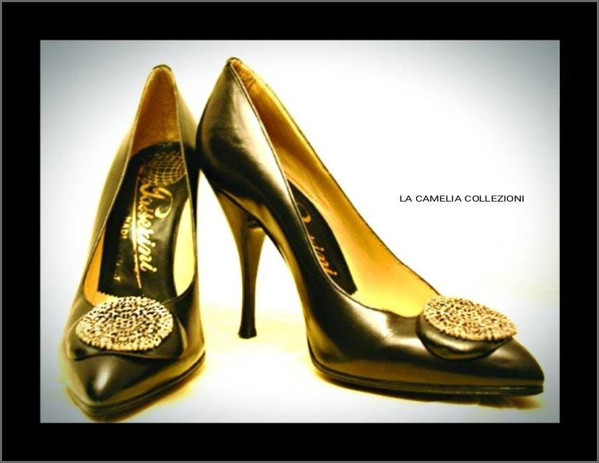 calzature anni 60 - nera con fibbia argento - archivio privato - la camelia collezioni