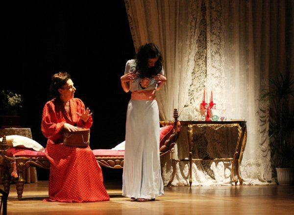 vestiti teatrali - la camelia collezioni