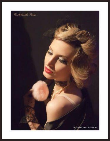 intimo e lingerie d'epoca - collezione - vestaglia in seta nera e guantini filet - la camelia collezioni