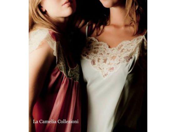 lingerie d'epoca - celeste e corallo - la camelia collezioni