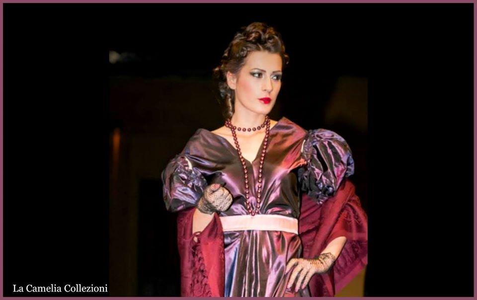 moda secolo 800 - vestito da gran ballo viola prugna cangiante - la camelia collezioni