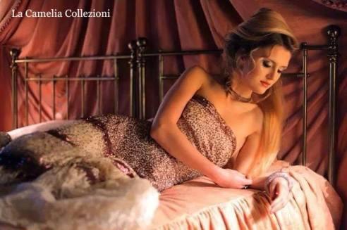 vestito da cocktail con paillettes prugna - la camelia collezioni