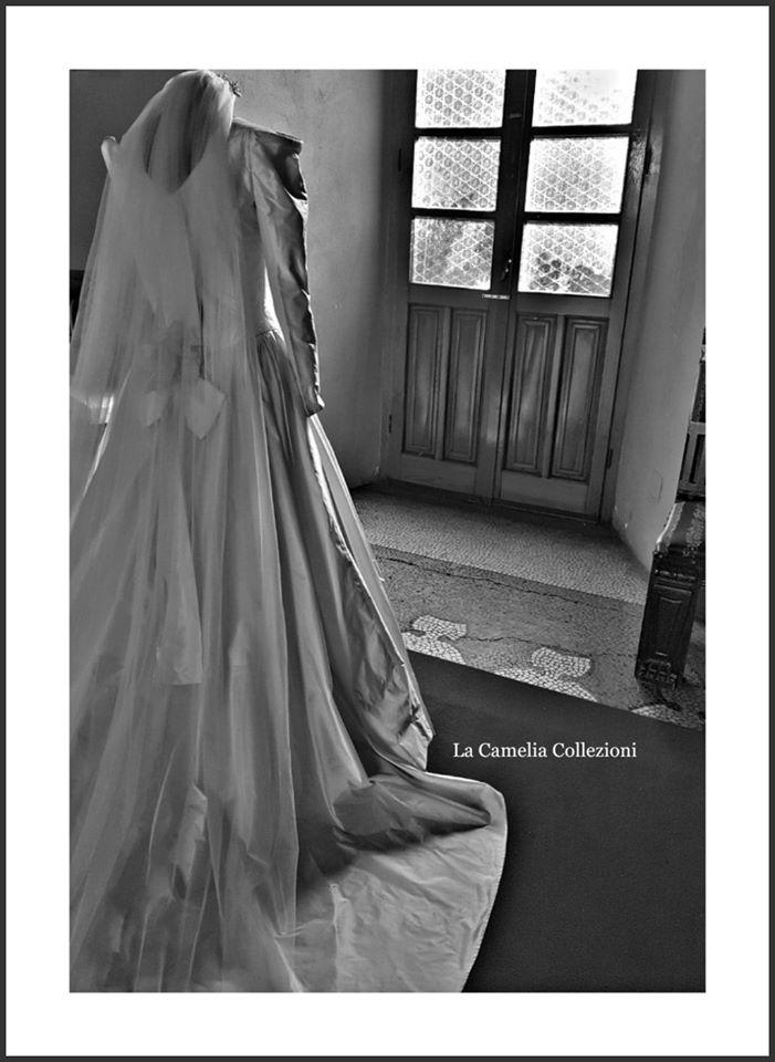 abiti e veli nuziali - collezione la camelia collezioni